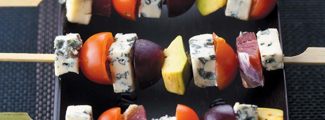 Brochettes raisins, avocat et Bleu d'Auvergne