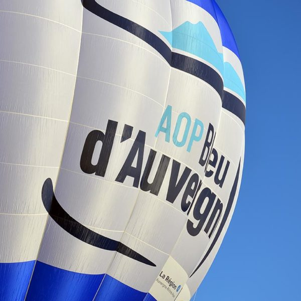 A hot air balloon for Bleu d'Auvergne PDO