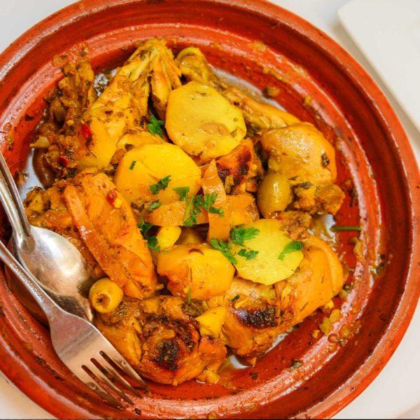 Tajine de cuisses de lapin, pomme de terre au safran et au Bleu d'Auvergne